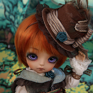 Tiny Delf 20 PETER - HATTER Limited