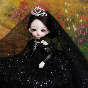 Tiny Delf 20 ALICE QUEEN - The Wild Swans Limited